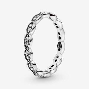 Pandora Sparkling Leaves Band Ring